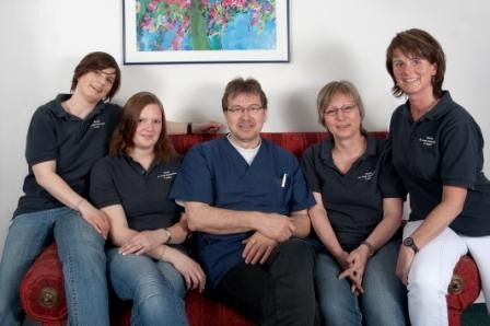 Praxisteam-Dr. med. Klemens Kretschmer, 26441 Jever, Facharzt für Innere Medizin, Hausarzt, Palliativmedizin, Schmerztherapie und Hautkrebsscreening.